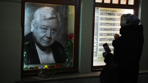 МХТ имени Чехова взял на себя оплату похорон Олега Табакова
