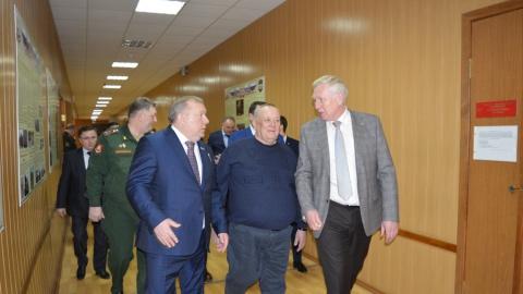 Председатель комитета по обороне Госдумы РФ встретился со студентами военной кафедры СГТУ