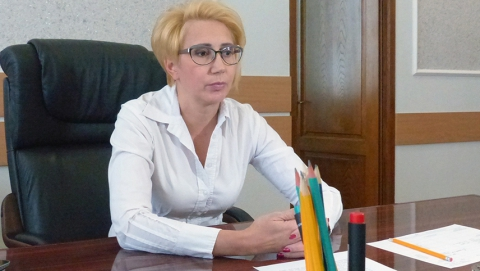 Елена Щербакова вернет в бюджет выписанную своему заместителю незаконную премию