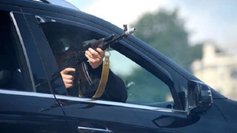 В Саратове участник ДТП устроил пальбу из пистолета