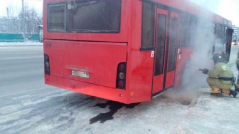 На Новоастраханском шоссе в Саратове горел автобус