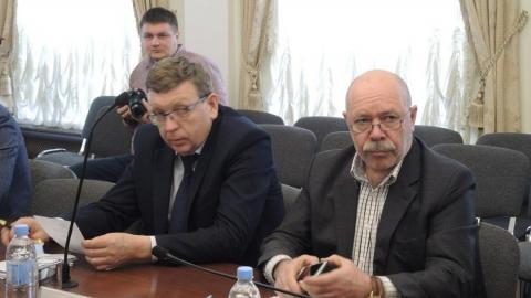 """Депутат раскритиковал администрацию за пешеходные ограждения в местах, """"где даже собаки не ходят"""""""