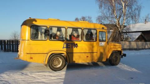 Под Энгельсом пьяный водитель врезался в автобус с детьми