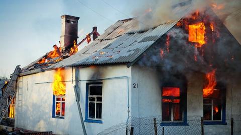 Ночной огонь унес жизни молодого мужчины и девушки