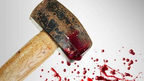 Избившего соседа кувалдой автомобилиста приговорили к двум годам колонии
