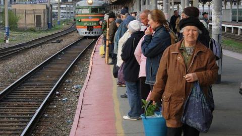 В Саратовской области с 1 апреля пустят дополнительные электрички для дачников
