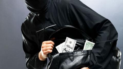 Похитителей 80 тысяч долларов у безработных саратовцев пока не задержали