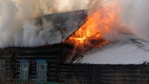 На месте сгоревшего дома обнаружено тело пенсионера