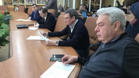 Депутат облдумы в шутку предложил сжечь расселенные дома на Огородной