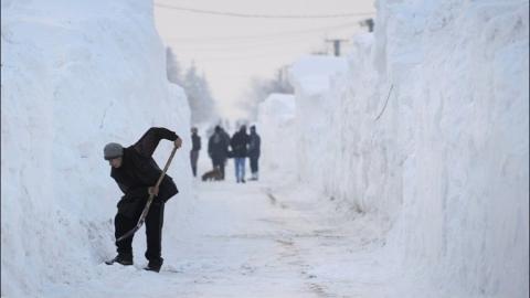 """Ответственной за плохую уборку улиц Саратова от снега стала """"аномальная зима"""""""