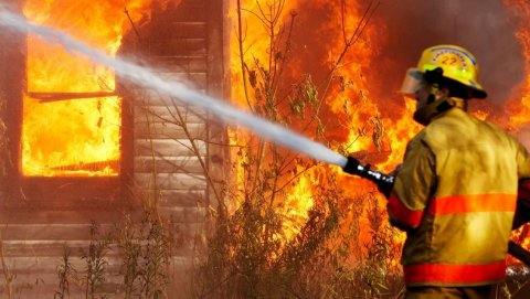 В Хвалынске в ночном пожаре погиб пенсионер