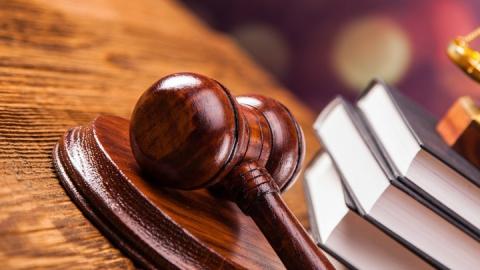 Саратовчанок будут судить за групповое изнасилование женщины и мужчины