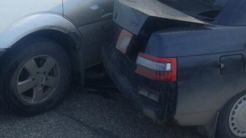 В аварии с маршруткой пострадали два человека