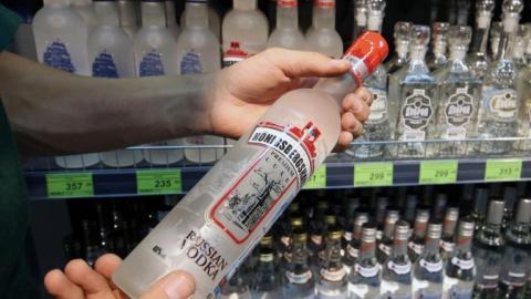Покровчанина обвиняют в хищении водки из магазина