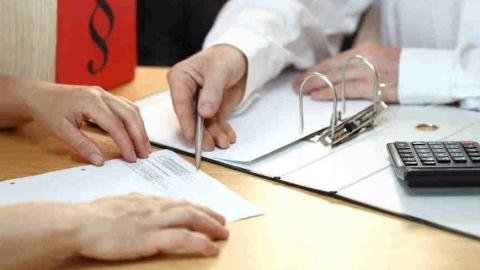 Житель Аткарска при получении кредита соврал о наличии работы и не платил займ