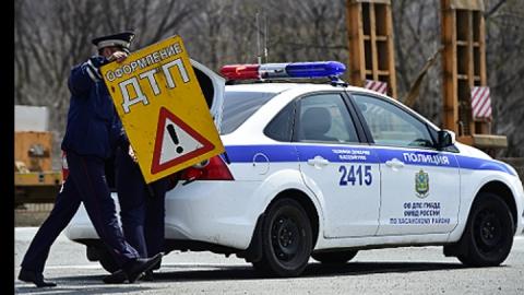 Утром в Ленинском районе столкнулись две иномарки