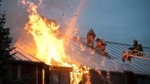 В воскресенье в Саратове сгорело два частных дома