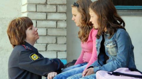 На саратовском вокзале полицейские задержали двух малолетних беглянок