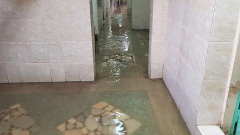 В Ленинском районе затопило больницу