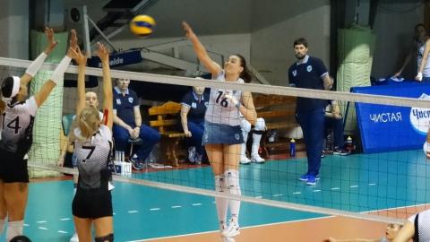 Саратовские волейболистки выиграли все три домашних матча
