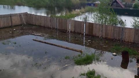 В Расловке паводковыми водами затопило дачные участки