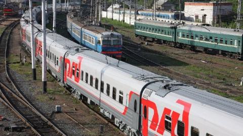 На ПривЖД из-за запаха газа задержан пассажирский поезд