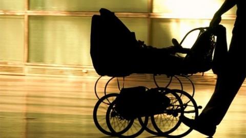 В Саратове 70-летний пенсионер заподозрен в краже детской коляски