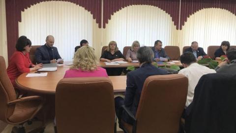 Саратовские депутаты решили сделать журналистский конкурс более творческим