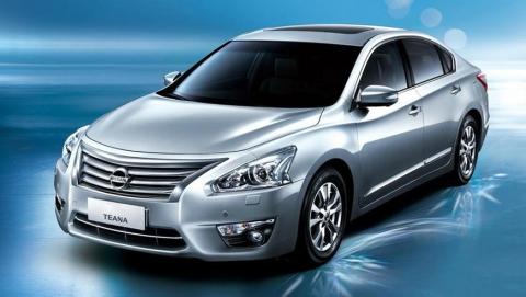 Приставы описали Nissan Teana у банковского кредитора