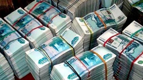 В Саратове мошенница в банке украла у пенсионерки 1,3 миллиона рублей