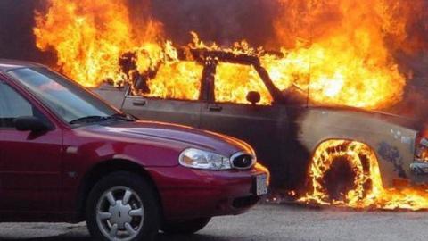 Минувшей ночью в Ртищеве сгорели три легковые автомашины