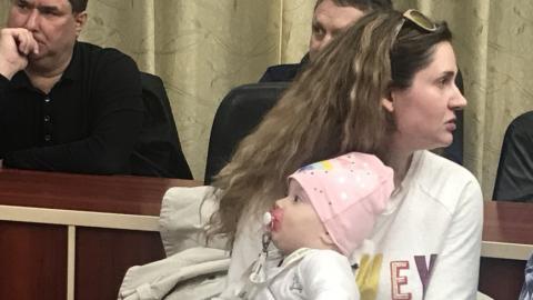 Дольщица с ребёнком попросила губернатора подействовать на застройщика