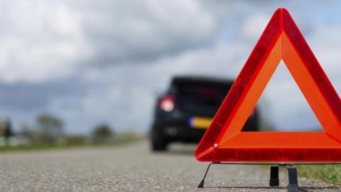 В аварии с трактором на мосту Саратов-Энгельс пострадали три человека