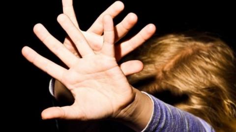 Насильника восьмилетней падчерицы приговорили к 17,5 годам колонии