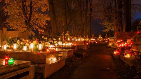 На Радоницу саратовцы с трудом могут добраться до Березинореченского кладбища