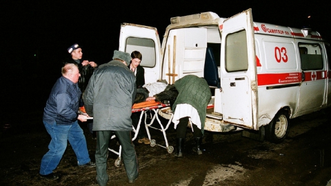 На Вольском тракте грузовик Isuzu врезался в ВАЗ-2114