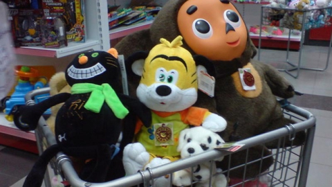 Саратовчанка украла из магазина детские игрушки