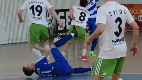 Саратовские мини-футболисты закончили сезон шестыми