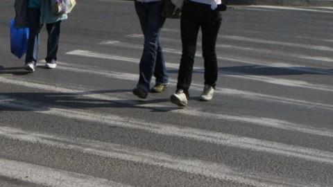 Под колесами автолюбителей пострадали трое саратовцев