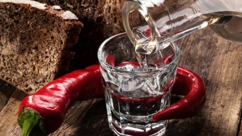 Житель Летного городка заподозрен в краже продуктов и бутылки водки