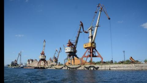 Энгельсский речной порт продан за бесценок мошенниками