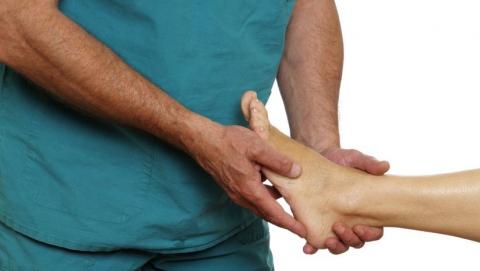 Медики призывают саратовцев не терпеть боль до окончания майских праздников