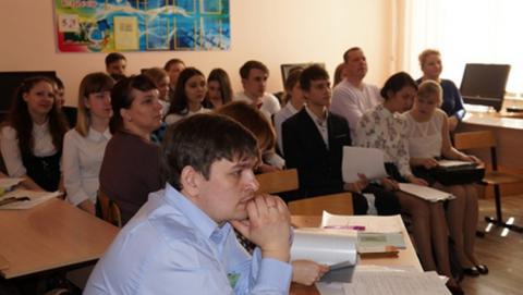 Вячеслав Тарасов помог организовать научно-практическую конференцию для юных исследователей