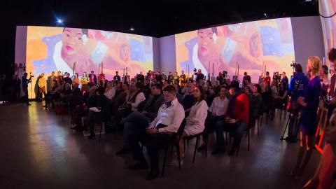 Журналисты телеканала «Саратов 24» собрали юным художникам полмиллиона рублей