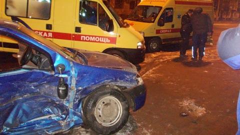 В Саратове в дорожной аварии пострадала женщина с ребенком