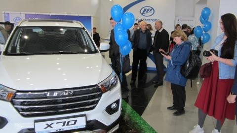 Автосалон OVK-авто представил новый автомобиль-кроссовер LIFAN X70