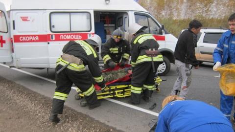 Под Энгельсом микроавтобус с пассажирами врезался в оторвавшийся прицеп