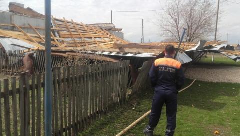Ветер сорвал крышу с детского сада под Перелюбом