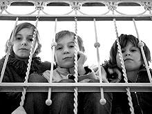 Баталина нашла недостаточным федеральное регулирование проблем детей-сирот