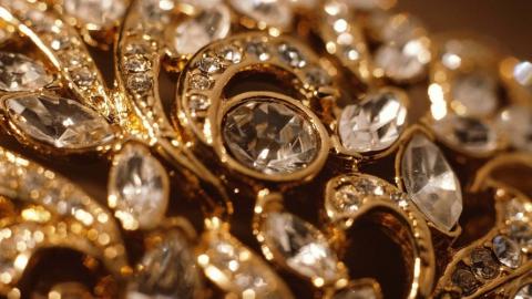 За взлом сейфа с золотом задержана саратовчанка